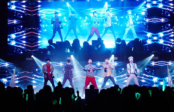 첫 북미 투어 개최 샤이니, 토론토에 이어 밴쿠버 콘서트도 대성황!